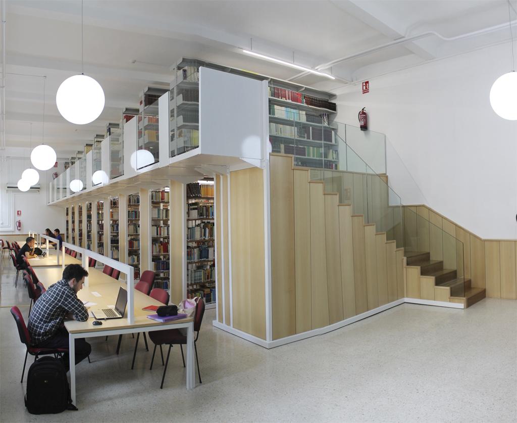 Muebles para la biblioteca 20170812185650 for Muebles bibliotecas para living